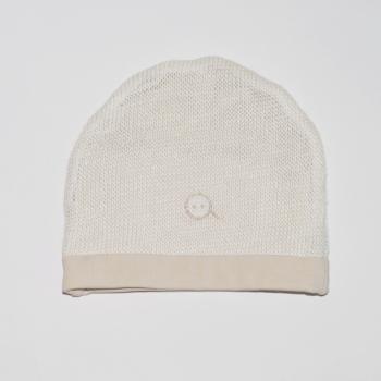 Cappellino in maglieria di ortica