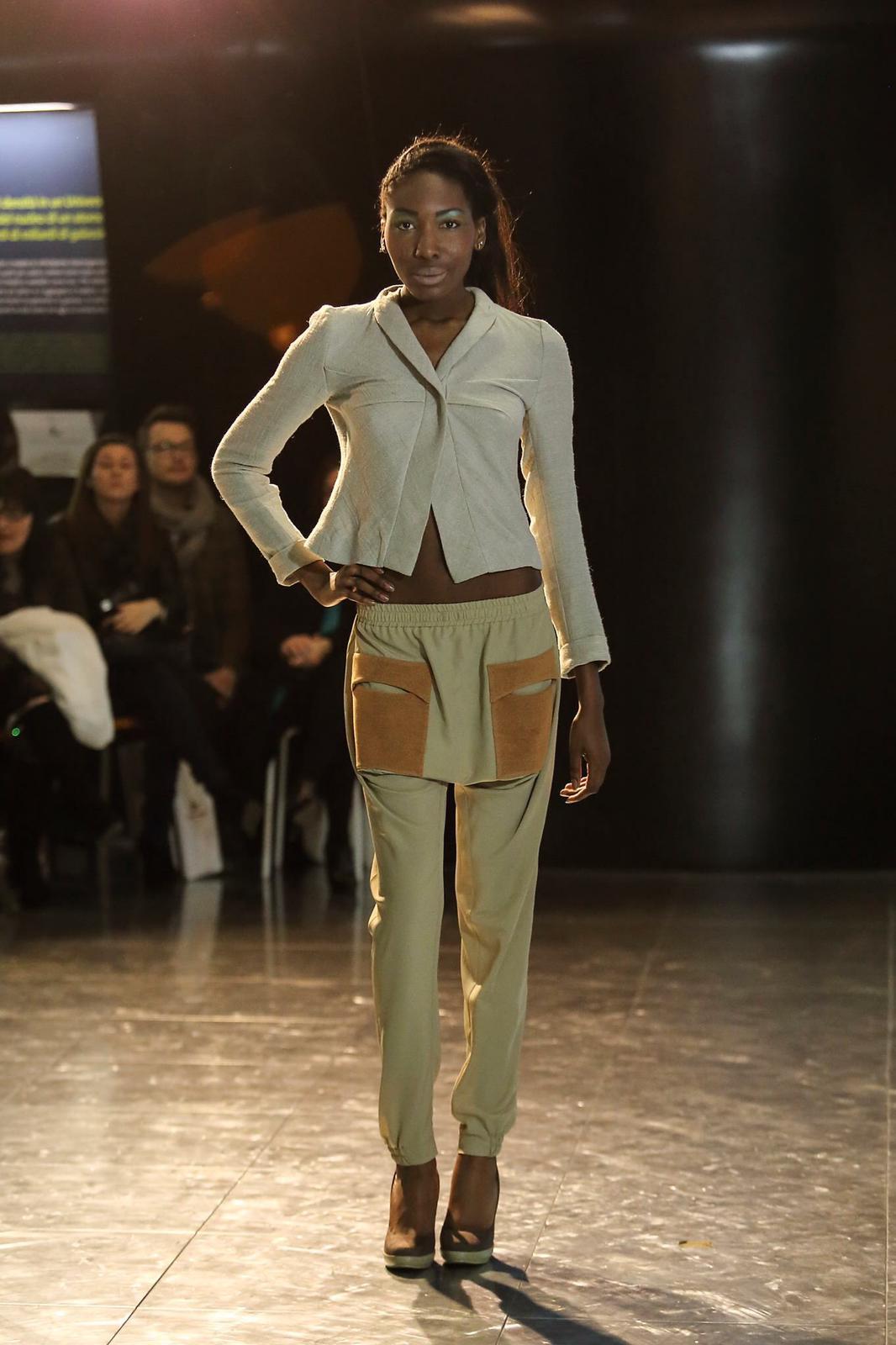 pantalone con dettagli tasca in panno da cappotto applicati